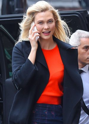 Karlie Kloss - Out and about on a windy day in New York City