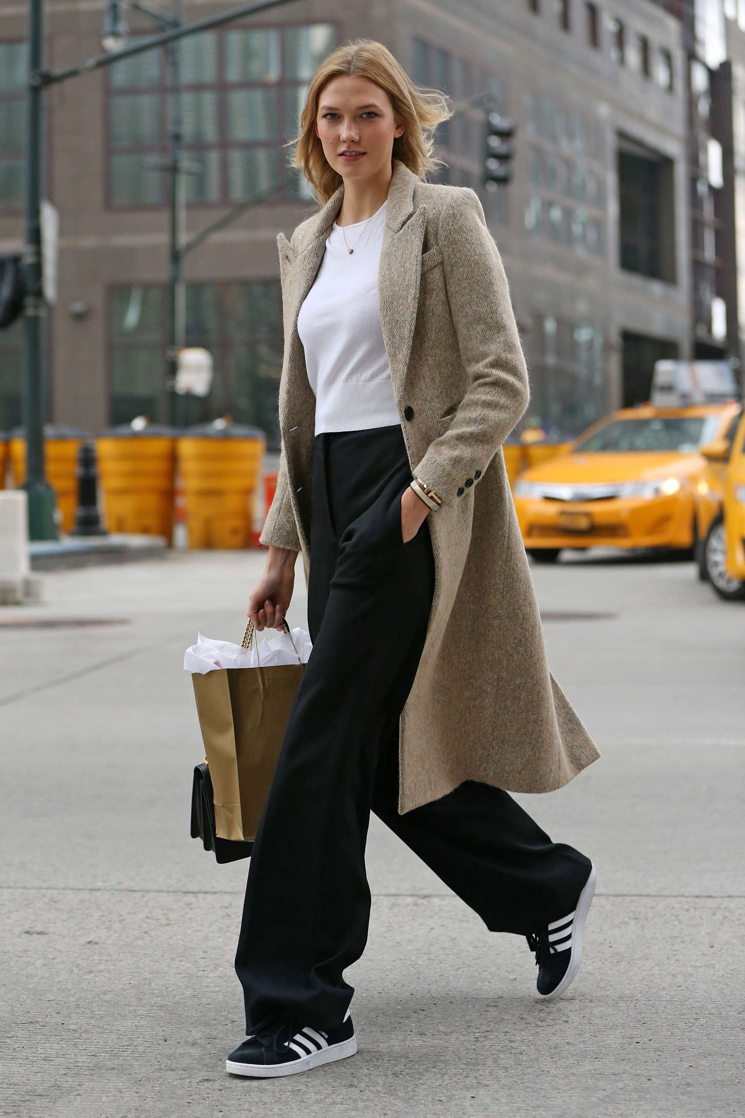 Karlie Kloss 2015 : Karlie Kloss Out in New York City -13