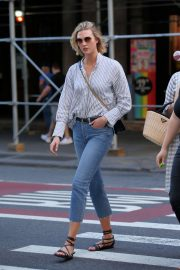 Karlie Kloss - Out in Soho, New York