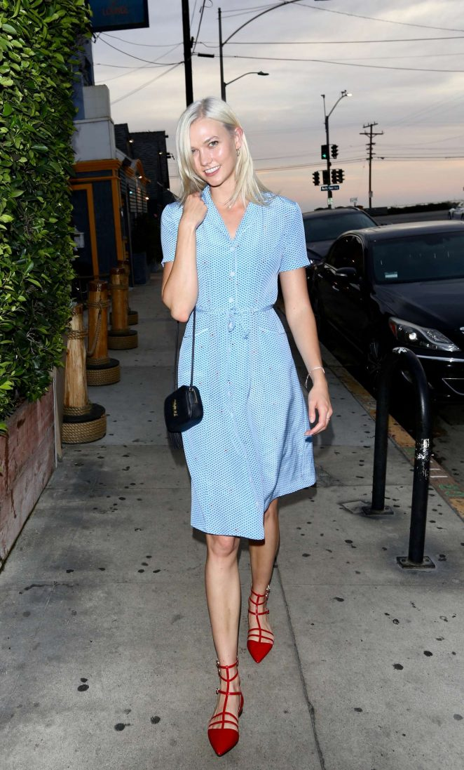 Karlie Kloss out to dinner at an Italian restaurant in LA