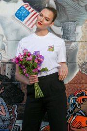 Karlie Kloss - Outside a studio in Los Angeles