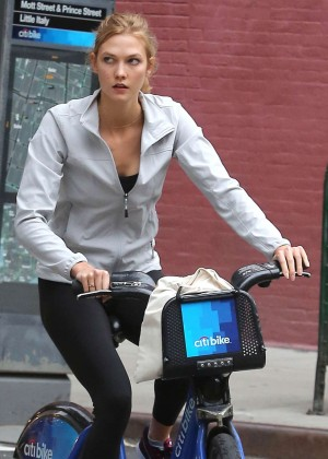 Karlie Kloss - Riding a Bike in NYC