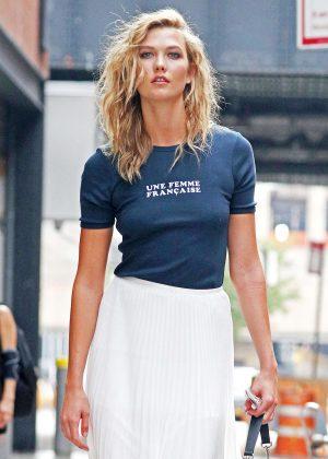 Karlie Kloss - Shopping in New York City