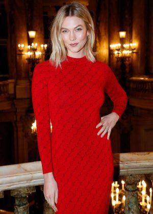 Karlie Kloss - Stella McCartney Fashion Show in Paris
