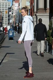 Karlie Kloss - Stepping Out in New York City