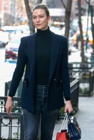 Karlie Kloss - Steps out in a stylish ensemble in New York City