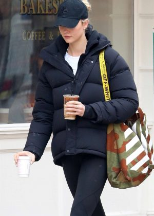 Karlie Kloss - Stops at Little Cupcake Bakeshop in NYC