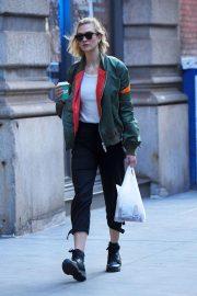 Karlie Kloss - Stroll through Soho