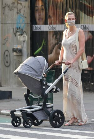 Karlie Kloss - stroll with her baby Levi in New York