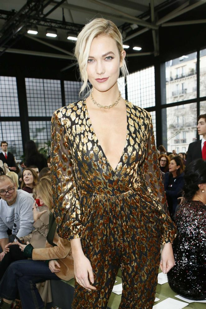 Karlie Kloss – Valentino Fashion Show 2018 in Paris