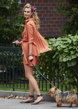 Karlie Kloss - Walking Her Dog in NYC