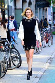 Karlie Kloss - Walking in SoHo in New York City