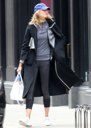 Karlie Kloss - Wears a baseball cap out in NYC