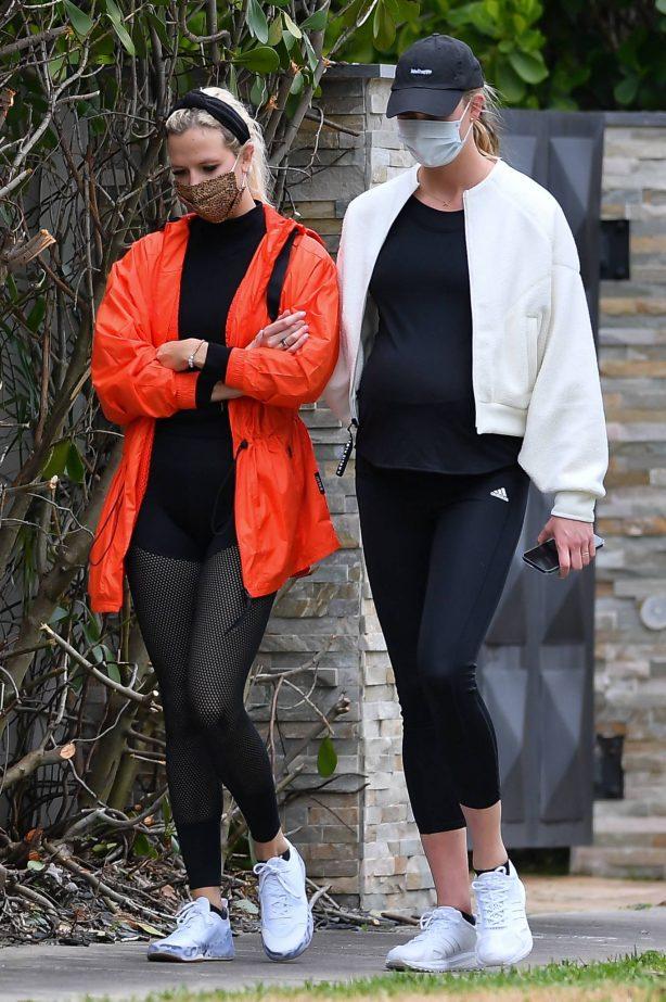 Karlie Kloss - With a friend in Miami Beach