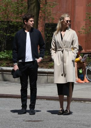 Karlie Kloss with her boyfriend in out in NYC