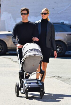 Karlie Kloss - With husband Joshua Kushner step out with their baby in New York City