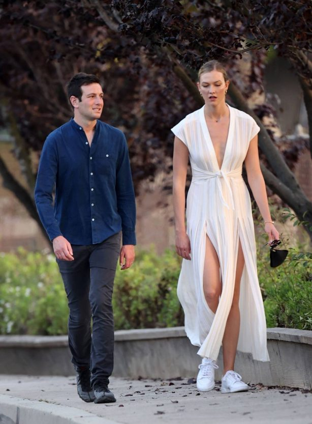 Karlie Kloss with Joshua Kushner - Out for a walk in LA
