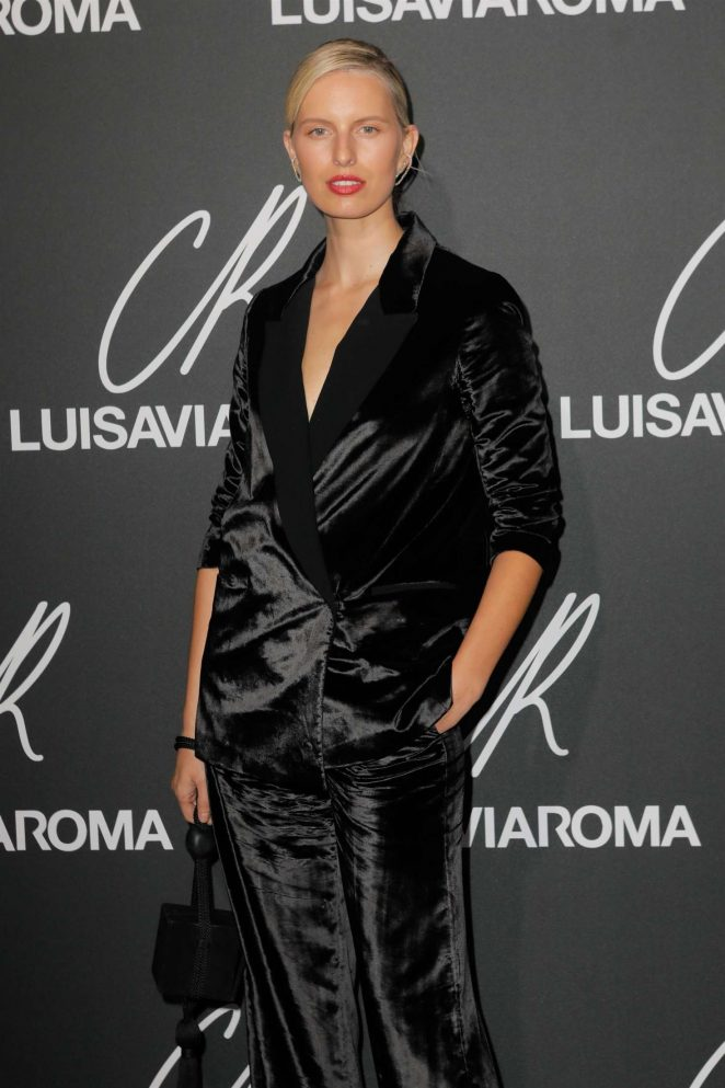 Karolina Kurkova – CR Fashion Book x Luisasaviaroma: Photocall in Paris
