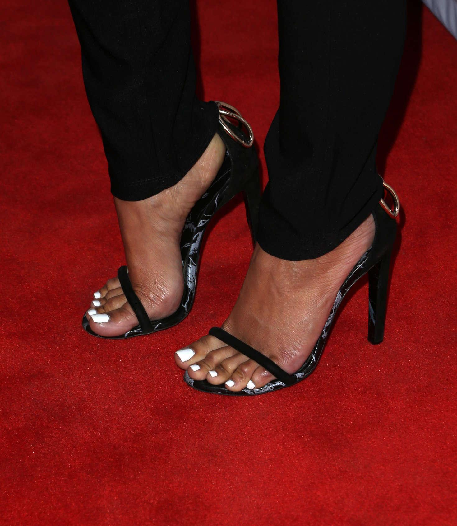 karrueche tran feet