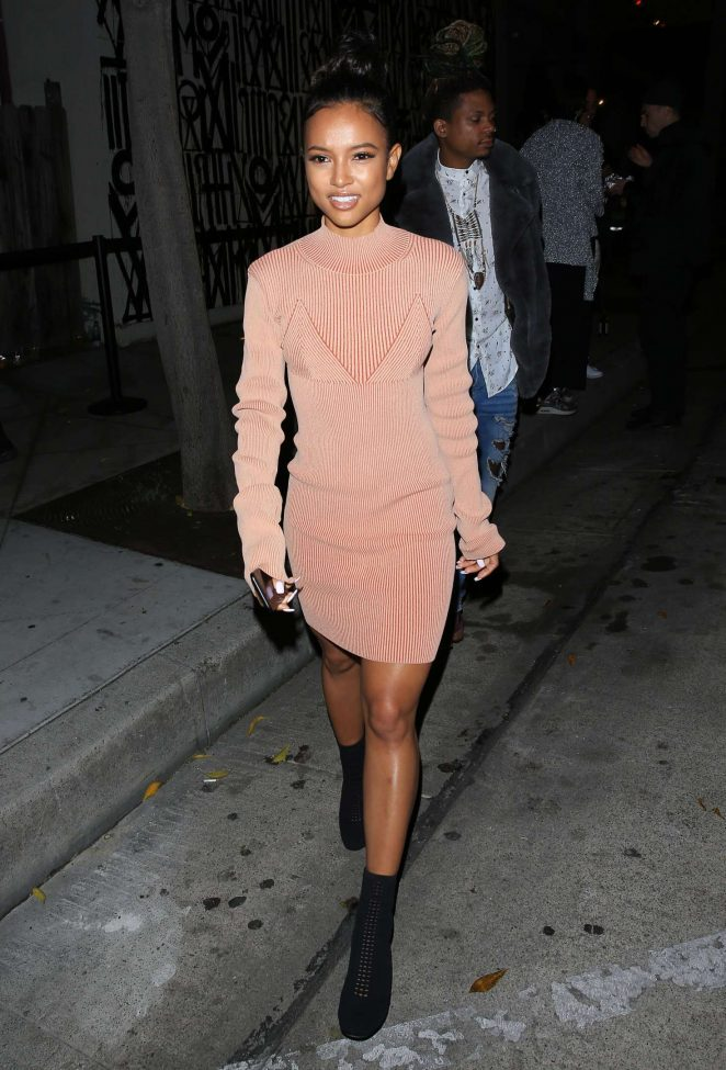 Karrueche Tran - Shopping at a pop-up store in West Hollywood