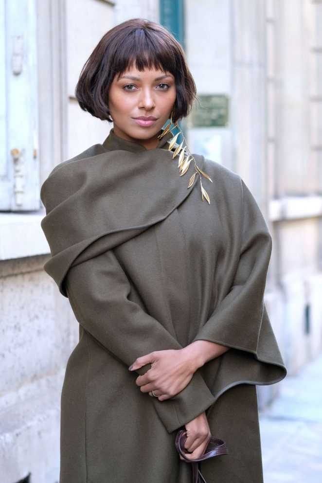 Kat Graham - Jacquemus Fashion Show in Paris