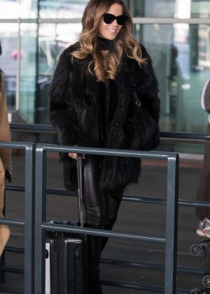Kate Beckinsale - Arrives at Charles de Gaulle Airport in Paris