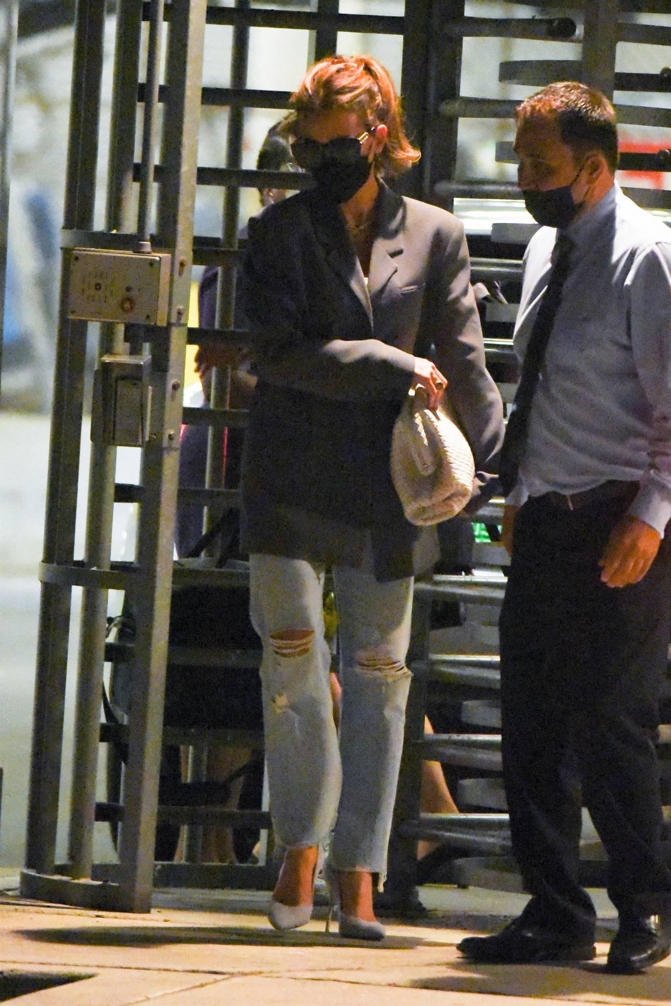 Kate Beckinsale 2021 : Kate Beckinsale – arrives at JFK Airport in New York City-01