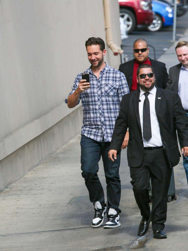 Kate Beckinsale: Arrives at the Jimmy Kimmel studio -01