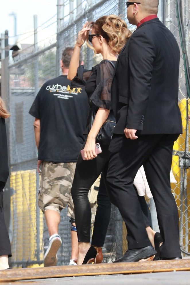 Kate Beckinsale: Arrives at the Jimmy Kimmel studio -11