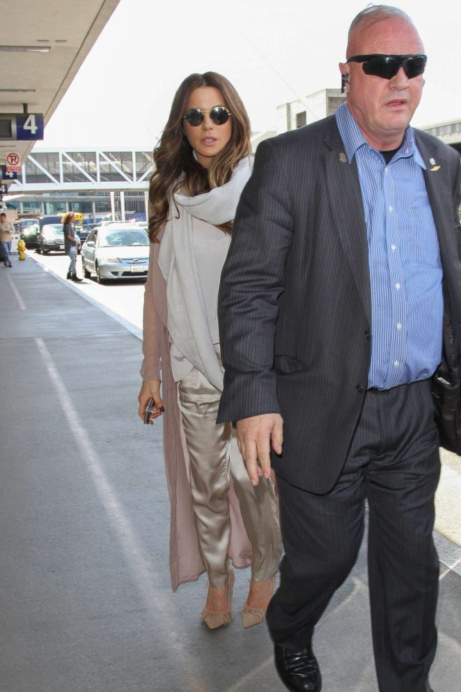 Kate Beckinsale at Los Angeles International Airport-07