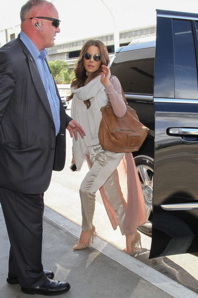 Kate Beckinsale at Los Angeles International Airport-11