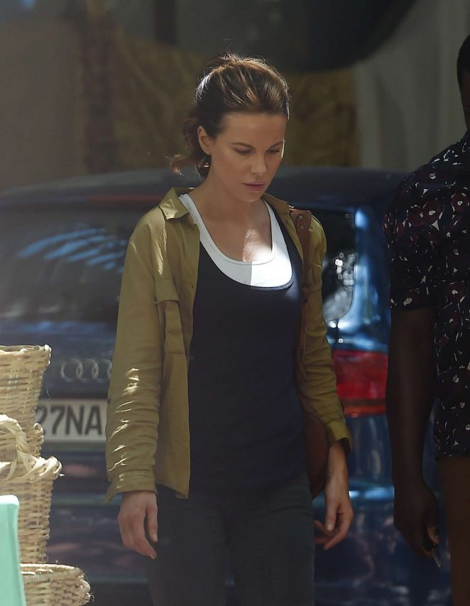 Kate Beckinsale - Filming scenes for the movie 'The Widow' in Cape Town