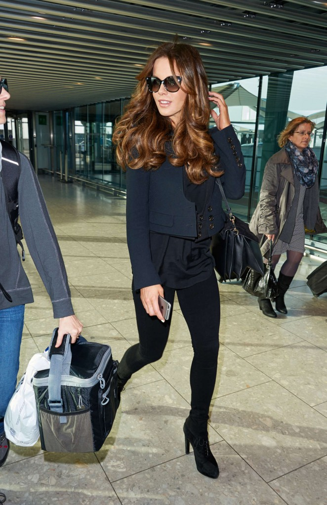 Kate Beckinsale in Tight Jeans at Heathrow Airport in London