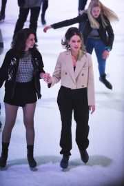 Kate Beckinsale - Ice skating in New York