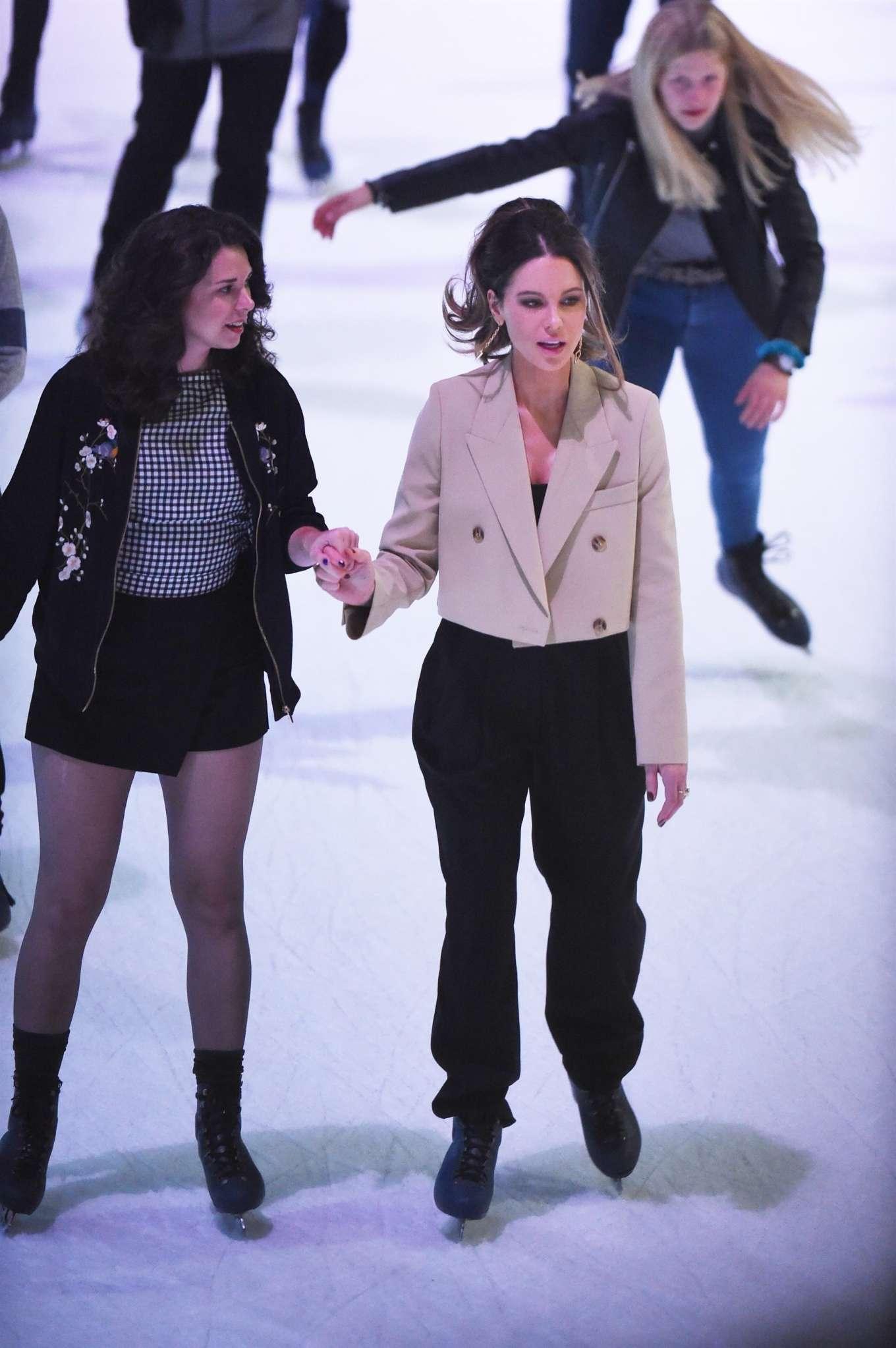 Kate Beckinsale - Ice skating in New York