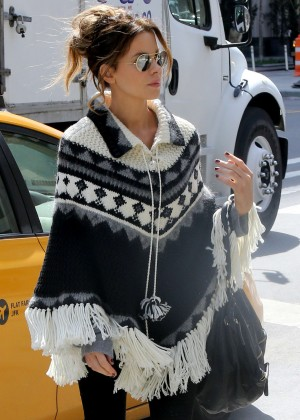 Kate Beckinsale in a black and white Poncho in NYC