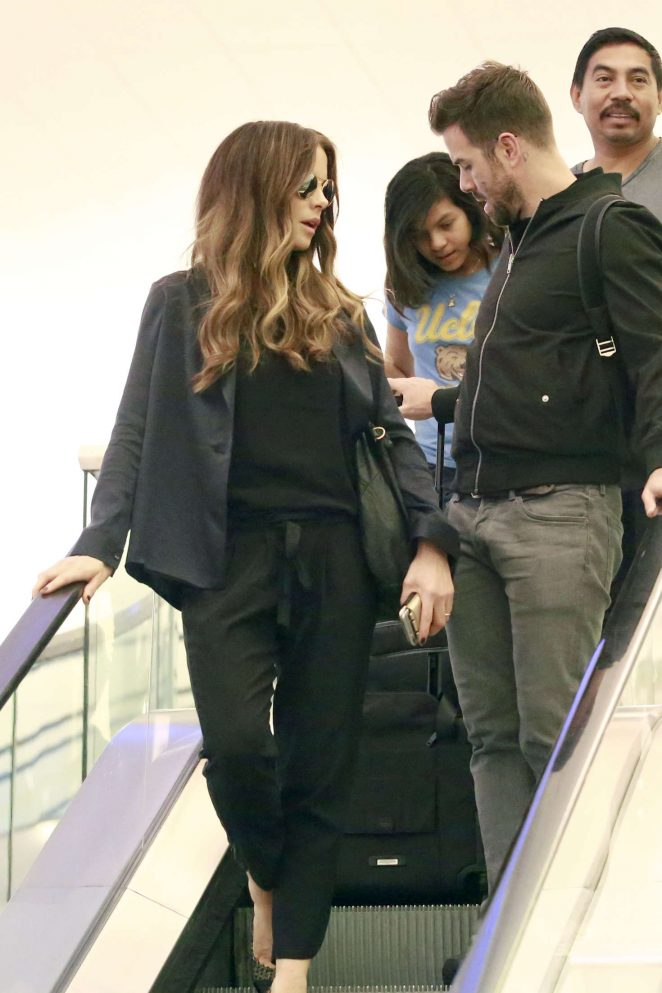 Kate Beckinsale in Black at LAX Airport in Los Angeles