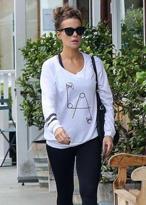 Kate Beckinsale in Black Leggings - Shopping in Brentwood