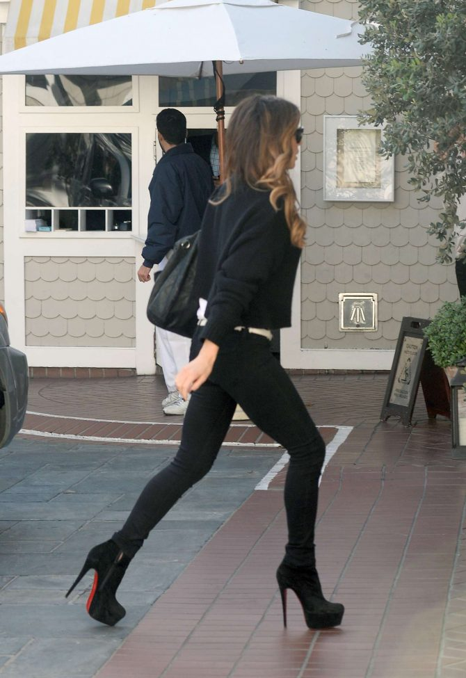 Kate Beckinsale in Tight Jeans – Out in LA