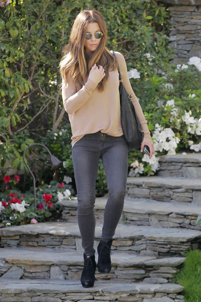 Kate Beckinsale in Tight Jeans -23