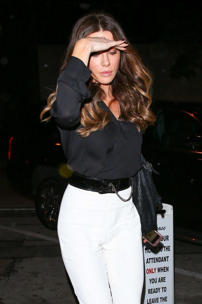 Kate Beckinsale in White Pants at Craig's in West Hollywood