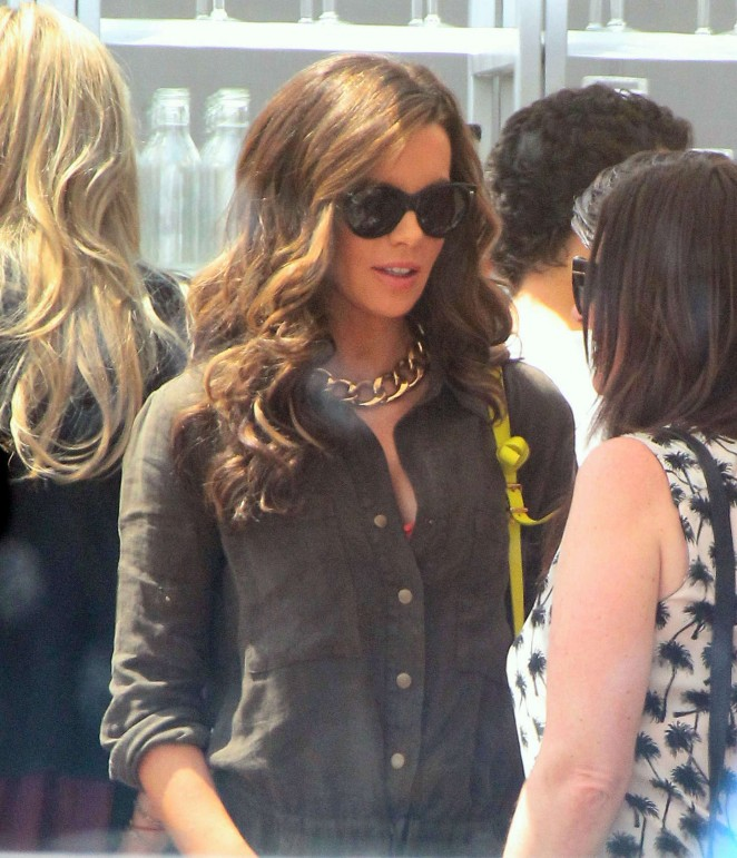 Kate Beckinsale: Joel Silvers Memorial day Party -10