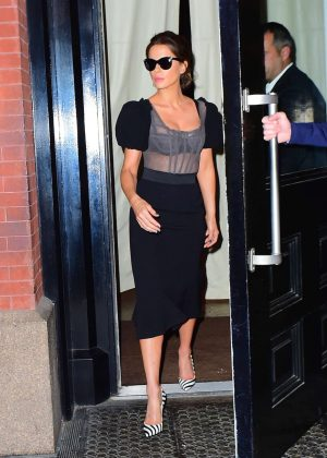 Kate Beckinsale Leaving her apartment in NYC