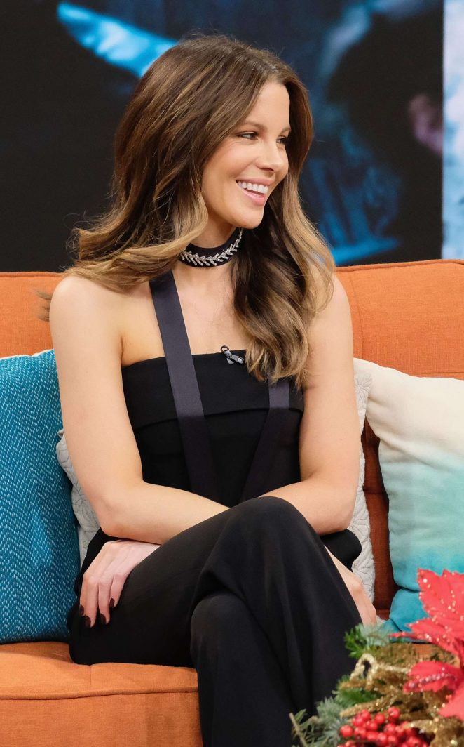 Kate Beckinsale on 'Despierta America' TV show in Miami