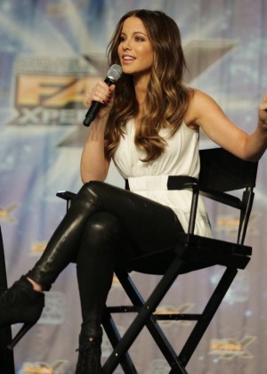 Kate Beckinsale - Salt Lake Comic Con Fan Xperience 2016