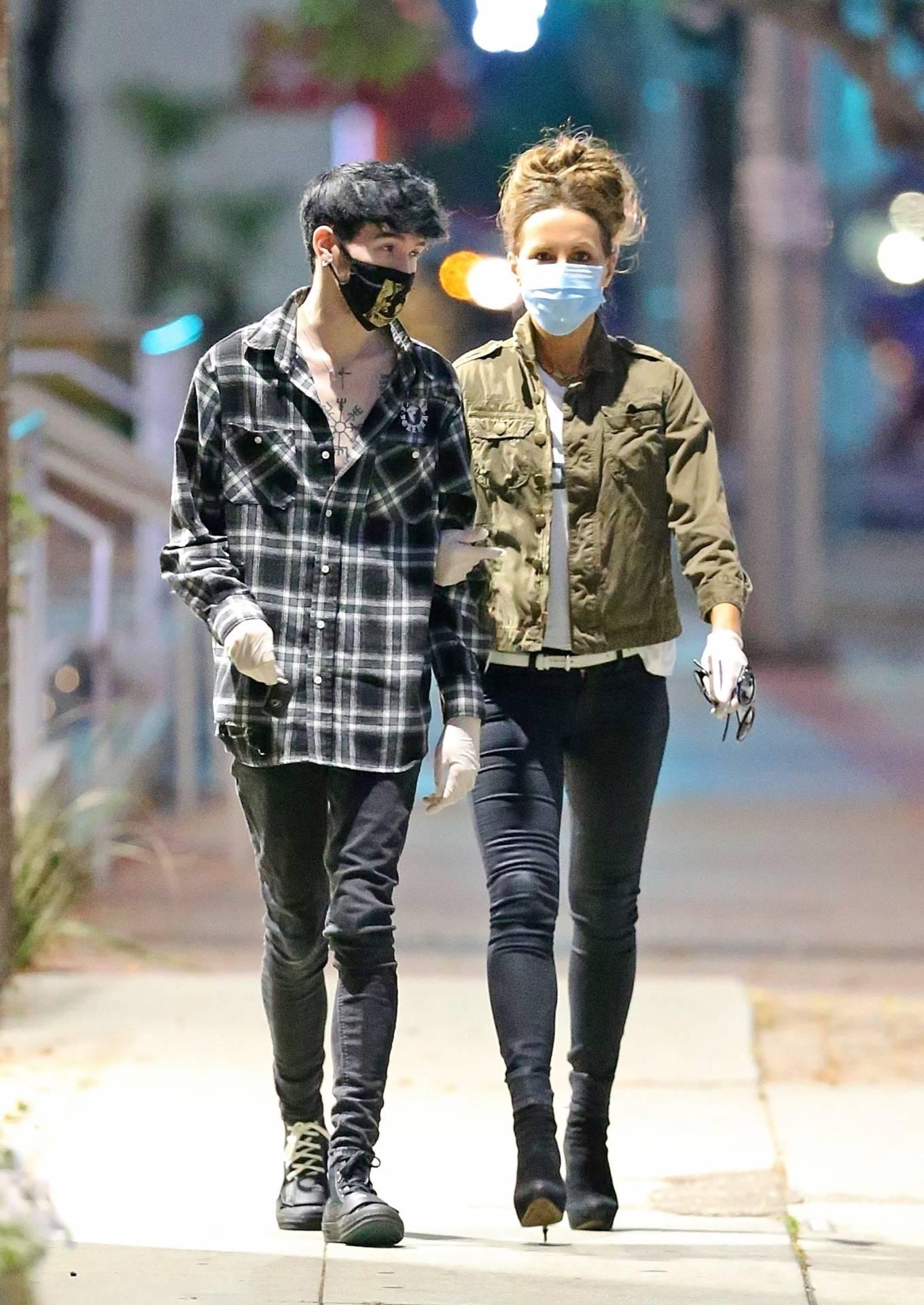 Kate Beckinsale seen with her boyfriend in Los Angeles