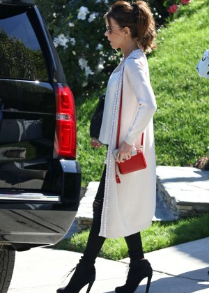 Kate Beckinsale Shopping at Restoration Hardware in West Hollywood