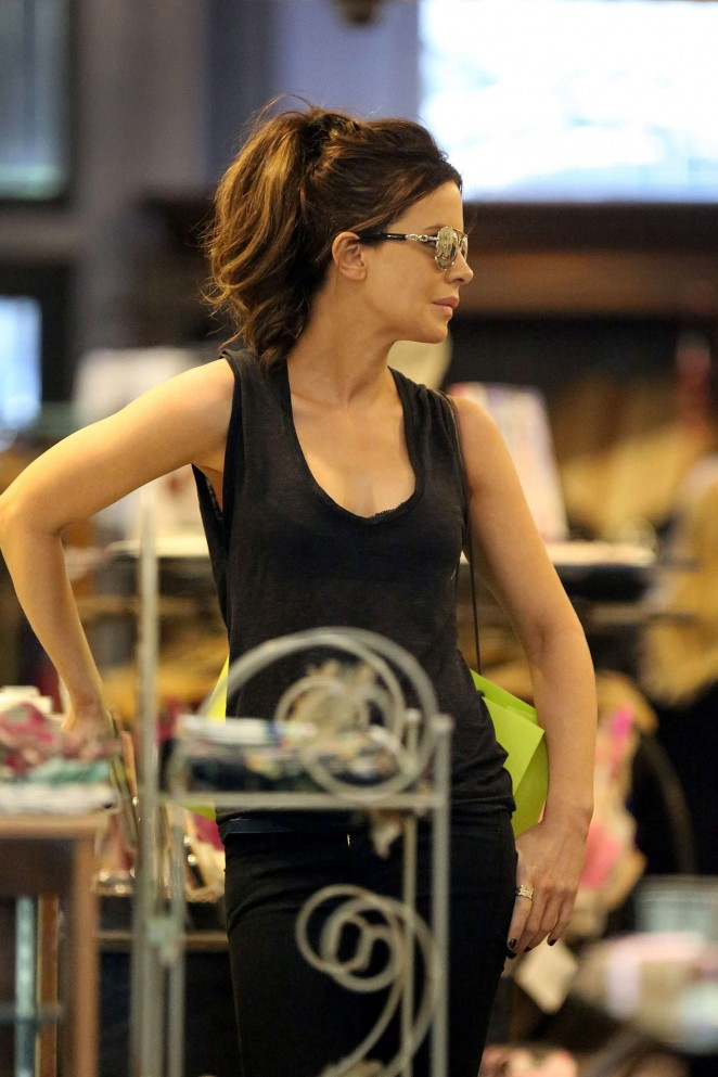 Kate Beckinsale Shopping in LA