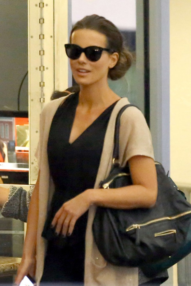 Kate Beckinsale Style - Out and about in Beverly Hills
