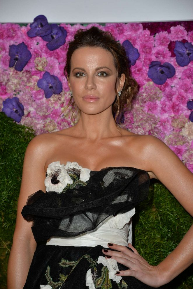 Kate Beckinsale – Tea Party After Dark Event in New York
